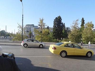 eao_20111101_taxi